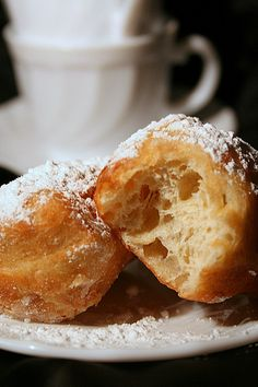 """Donuts NOLA (New Orleans, Louisiana) for My Round-Beignets NOLA (New Orleans, LouisiAna) pour Ma Ronde _ """"Let the good times roll"""" On the occasion of the festival of Hanukkah, which starts in a week, I offer you a recipe for donuts as I had conducted & published in the first issue of the magazine Cuisine P@ssion ... waiting to resume my round!"""
