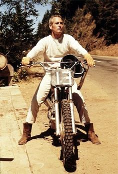 """Get yourself a motorcycle. 'Nuff said. Paul Newman — this pic is flawess. From the white jeans, to the boots, to the dirtbike. 1971 ~ Paul Newman in Oregon on the set of """"Sometime… Sidecar, Paul Newman Daytona, Paul Newman Joanne Woodward, Westerns, Steve Mcqueen, Vintage Motorcycles, Vintage Bikes, British Motorcycles, Cool Bikes"""