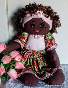 Elaine Artesanatos: BONECA SHANYA - A MARAVILHOSA Sewing Clothes, Doll Clothes, Afro, African American Dolls, Hello Dolly, Fabric Dolls, Baby Dolls, Diy And Crafts, Sewing Projects