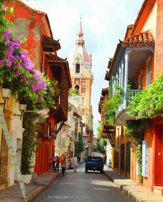 Enchanting Side Streets Around the World Calle de Cartagena, ColombiaCalle de Cartagena, Colombia Places Around The World, Travel Around The World, The Places Youll Go, Places To See, Around The Worlds, Wonderful Places, Beautiful Places, Magic Places, Les Continents