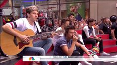 NIALL IS PLAYING THE GUITAR SOMEBODY HOLD ME