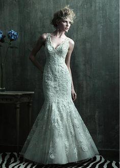 ALLURING TULLE MERMAID V-NECK NECKLINE NATURAL WAISTLINE WEDDING DRESS IVORY WHITE LACE BRIDAL GOWN