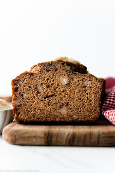 This whole wheat banana bread is made without oil and butter. Rather, applesauce is used to give the bread moisture. Banana Bread With Applesauce, Whole Wheat Banana Bread, Whole Wheat Sourdough, Banana Nut Muffins, Unsweetened Applesauce, Banana Bread Ingredients, Healthy Banana Bread, Sugar Free Baking, Sallys Baking Addiction