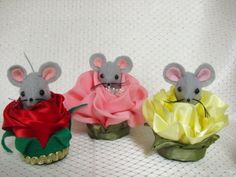 Handmade Felt / Satin Yellow Rose of Texas Mouse for Mothers Day http://www.artfire.com/ext/shop/studio/MumseysMouseHouse