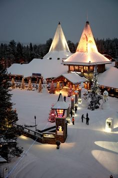 Santa Claus Village: photo © Rovaniemi Tourist Information - www.visitrovaniemi.fi