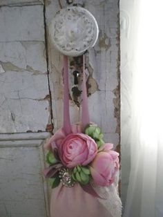 Home Decor Store Website unless Shabby Chic Autumn Decor along with Japanese Home Decor Ideas; Home Decor Games round Shabby Chic Bedroom Furniture Hull Casas Shabby Chic, Shabby Chic Mode, Estilo Shabby Chic, Shabby Chic Cottage, Shabby Chic Style, Cottage Style, Shabby Vintage, Vintage Roses, Vintage Beauty