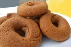 Moustokouloura - soft Cypriot/Greek cookies made with grape must. Greek Sweets, Greek Desserts, Greek Recipes, Greek Cookies, Almond Cookies, Cypriot Food, Food Network Recipes, Cooking Recipes, Cake Recipes