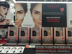 it was only a matter time before the contouring trend hit the drugstore! Revlon Photoready Insta-Fix Contouring and Highlighting Duo for Sum