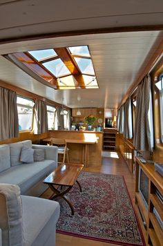 "Luxemotor ""Joli' Folie"" 23m * 3.85m - 1921 ~ The skylights take it to the next level."