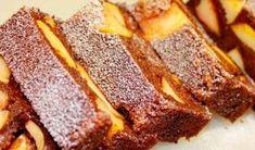 Incearca aceasta prajitura delicioasa cu mere. Este foarte usor de preparat, gustul e formidabil si arata foarte bine!  Ingrediente:  Pentru calirea merelor  3 mere mari  50g unt  un sfert de cana zahar  Pentru aluat  200 g gris  150 g zahar  2 oua  250 g kefir  1 lingurita bic