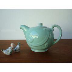 a wonderful fresh-yet-cozy color. vintage tea pot via Etsy. Vintage Dishes, Vintage Tea, Japanese Tea Ceremony, Vaseline Glass, Tea Pot Set, Tea Art, Chocolate Pots, Tea Time, Teapots