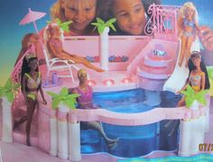Amazon.com : Barbie FOUNTAIN POOL w Working FOUNTAIN, DECK LIGHTS That Shine in Dark & MORE! (1993) : Fashion Doll Playsets : Toys & Games