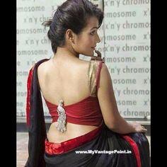 Stunning Blouse Back Neck Designs - Kurti Blouse Blouse Back Neck Designs, Saree Blouse Designs, Blouse Styles, Sexy Blouse, Sleeveless Blouse, Blouse Desings, Saree Backless, Indian Beauty, Sitting Posture