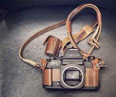 Woodenize Your Camera Using Wallpaper or Wood Veneer