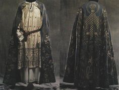 Costumi ~ Contrada Sant'Erasmo ~ reproduction costume of medieval period