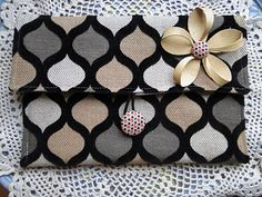 adorable clutch -- perfect for beginners; use with any extra scraps; great with upholstery fabric too