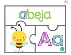 Preschool Spanish, Preschool Centers, Spanish Activities, Alphabet Activities, Kindergarten Activities, Preschool Activities, Alphabet Books, Spanish Alphabet, Spanish Classroom