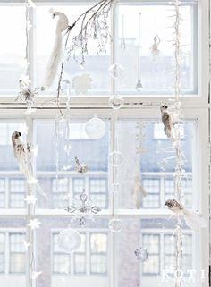 Talven taikaa. Hopealinnut istuvat jäisillä oksilla. Koti ja keittiö, Tea Honkasalo, Kuva Kirsi-Marja Savola.