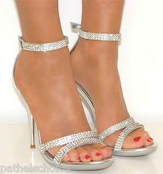 bridesmaid shoes- I like these.  :)