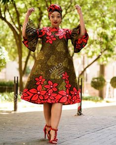 Casandra Dress including a FREE Head Wrap Sizes: 28 to 46 Whatsapp: 0843032990 or 0612846069 Delivery Nationwide (Door to Door… Short African Dresses, Latest African Fashion Dresses, African Print Dresses, African Print Fashion, Ankara Fashion, Africa Fashion, African Prints, African Fabric, Short Dresses