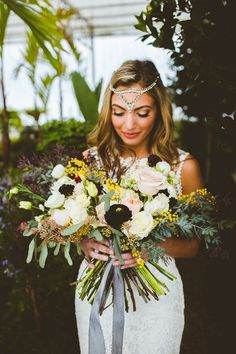 Earthy bouquet + gorgeous head piece