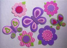 Flores y mariposas con goma eva