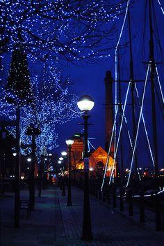 Night Lights, Liverpool, England photo via scent