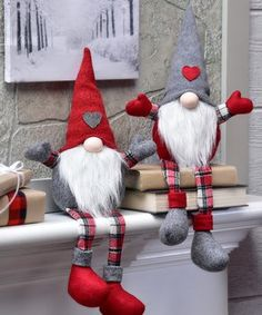 Gnome Shelf Sitter Decor Set