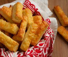 Puha sajtos rúd recept   Mindmegette.hu Onion Rings, Kenya, Rum, Dairy, Cheese, Ethnic Recipes, Food, Essen, Meals