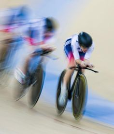 Laura Trott, Elinor Barker, Ciara Horne and Joanna Rowsell-Shand compete on their Women's Team Pursuit (Getty Images)
