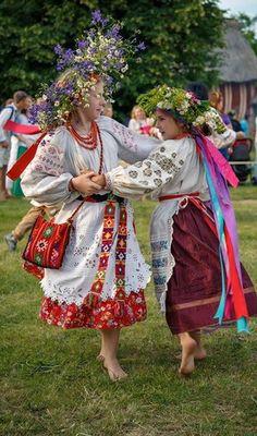 #Ukrainian #girls Ukrainian #tradition #Ukrainians Українське #свято Украинский…