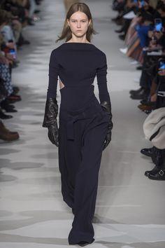 Victoria Beckham Autumn/Winter 2017 Ready to Wear Collection