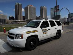 Missouri State Highway Patrol Chevy Tahoe Police Car in Downtown St. Louis, MO - Not bad! Old Police Cars, Police Truck, Police Life, Chevy Vehicles, Police Vehicles, Executive Protection, Cars Usa, Ford Galaxie, Chevrolet Tahoe