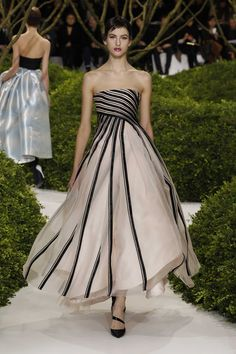 Dior Haute Couture Spring-Summer 2013 – Look 8: Embroidered striped black and powder satin and organza evening dress. Discover more on www.dior.com #Dior#PFW