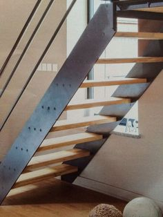 Attic Stairs, House Stairs, Staircase Design Modern, Modern Design, Stairs Stringer, Master Bathroom Shower, Steel Stairs, Kerala House Design, Kerala Houses