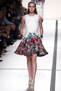 Elie Saab Spring 2014 Ready-to-Wear Collection Photos - Vogue