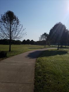 This morning, I got the opportunity to run at my favorite running location. Local Parks, Daughters Of The King, We Run, Before Us, Christian Women, About Me Blog, Country Roads, Running, Keep Running