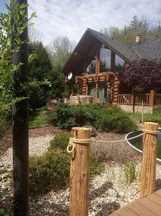 Trampolines, Trips, Arch, Traveling, Outdoor Structures, Garden, Viajes, Longbow, Garten