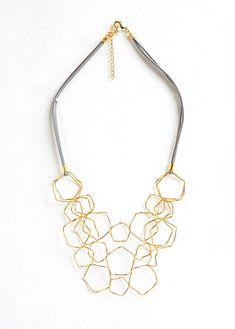 Gold layered necklace Statement necklace Fashion por closeupjewelry