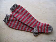 Wiktoriinan villat: Pitkät villasukat - Novita Nallesta Boot Cuffs, Diy Projects To Try, Knitting Socks, Diy And Crafts, Knit Crochet, Pattern, Crocheting, Sandals, Boots