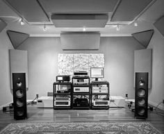 Spectral and Soulution electronics driving Magico Q3 speakers