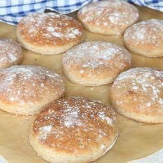 Grahamstekakor Muffin Recipes, Bread Recipes, Baking Recipes, Cake Recipes, Grandma Cookies, A Food, Food And Drink, Savoury Baking, Swedish Recipes
