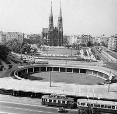 Die Schottentorkreuzung mit der Schottenpassage, Wien - Kurt Schlauss, 1961 Heart Of Europe, Vienna Austria, Back In Time, Homeland, Time Travel, Concrete, Travelling, Photographs, Old Things