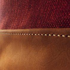 Costura en cuero hecha 100% a mano Pronto fotos de la Cartera004 • #cuero #carteradecuero #hechoamano #chile #conce #artesano #artesania #arte #diseño #economiacircular #costura #leather #leatherwork #craft #design Chile, Card Holder, Wallet, Cards, Instagram, Circular Economy, Artisan, Leather, Hand Made
