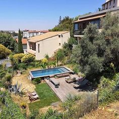Claire 🌿 Slowgarden (@myslowgarden) • Photos et vidéos Instagram Provence France, Sweet Home, Home And Garden, Terraces, Photos, House Styles, Water, Instagram, Home Decor