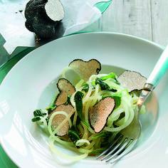 Kohlrabispaghetti mit Spinat und schwarzem Trüffel #basenfasten #basisch #gesund #vegan #lecker