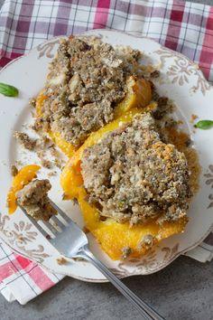 Peperoni imbottiti alla napoletana: un secondo piatto tipico campano, ricco e stuzzicante con una croccante ricopertura! [Stuffed bell pepper]