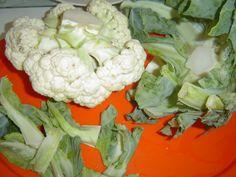 Tři recepty pro různé diety. Květákové placičky sice patří mezi zeleninová jídla, ale při klasické úpravě, to je smažením na p