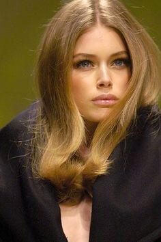 Fashion Show Models Doutzen Kroes 53 Super Ideas Doutzen Kroes, Make Up Looks, Hair Inspo, Hair Inspiration, Vogue, Model Pictures, Great Hair, Hair Dos, Pretty Face