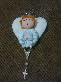 ....oh heavenly sweetness!...such a beautiful angel...made with different sized yoyos! SEW CREATIVE!....